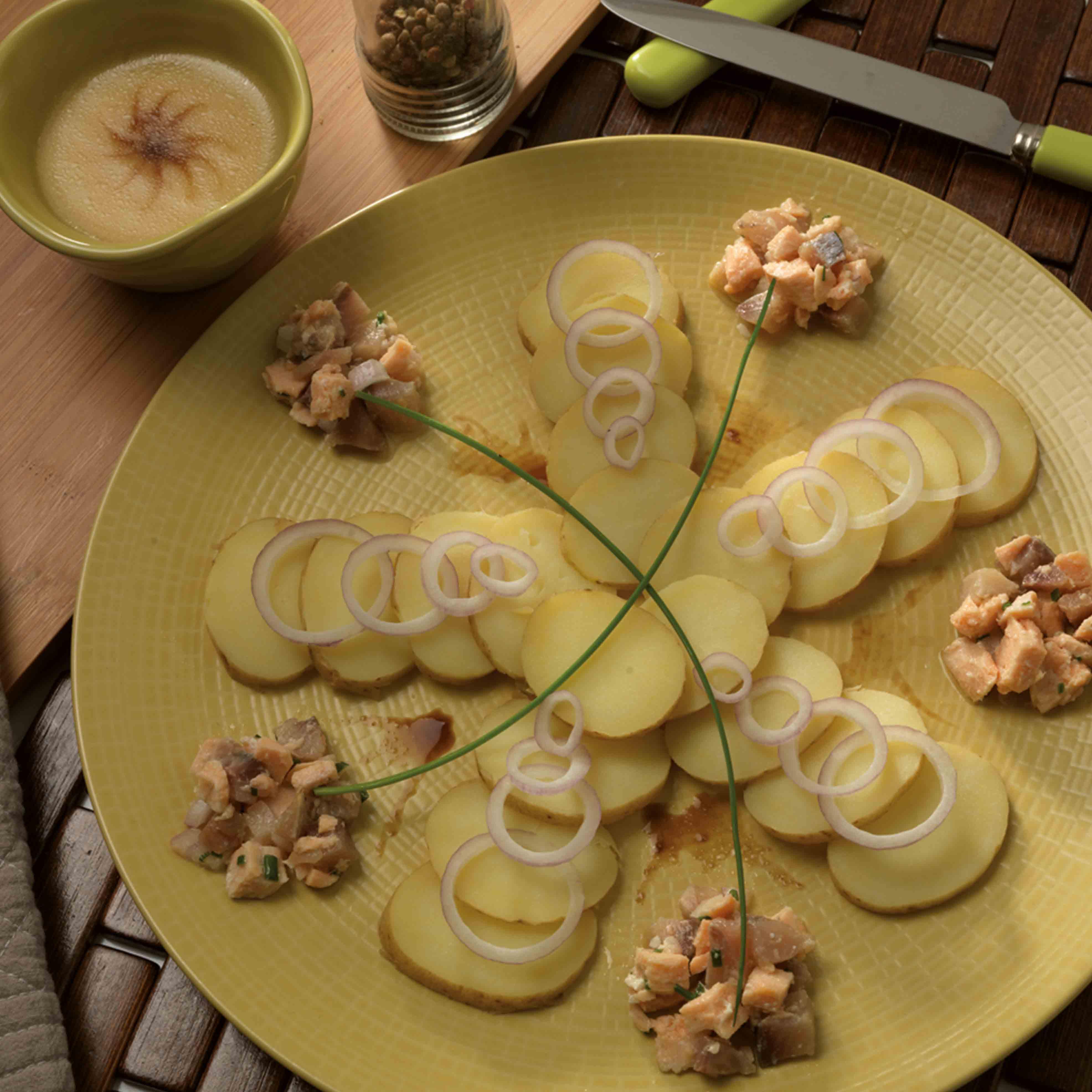 Salade de pommes de terre aux deux poissons