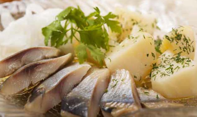 Salade de filets de harengs fumés doux à la chalutière