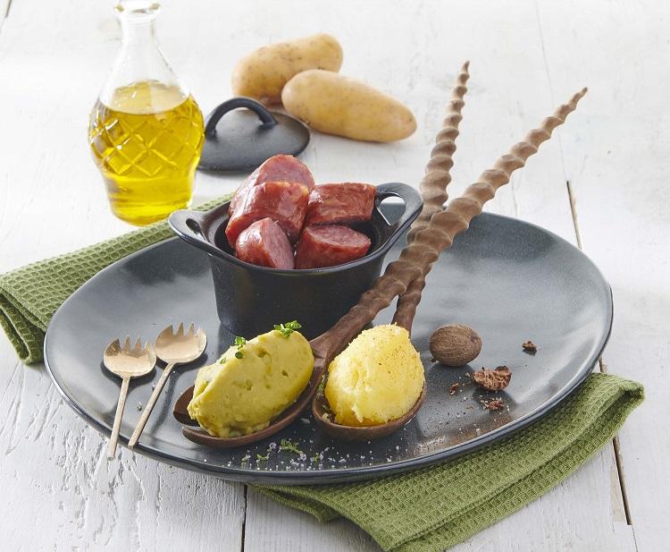Duo de purées de pois cassés et Pompadour, saucisse de Montbéliard