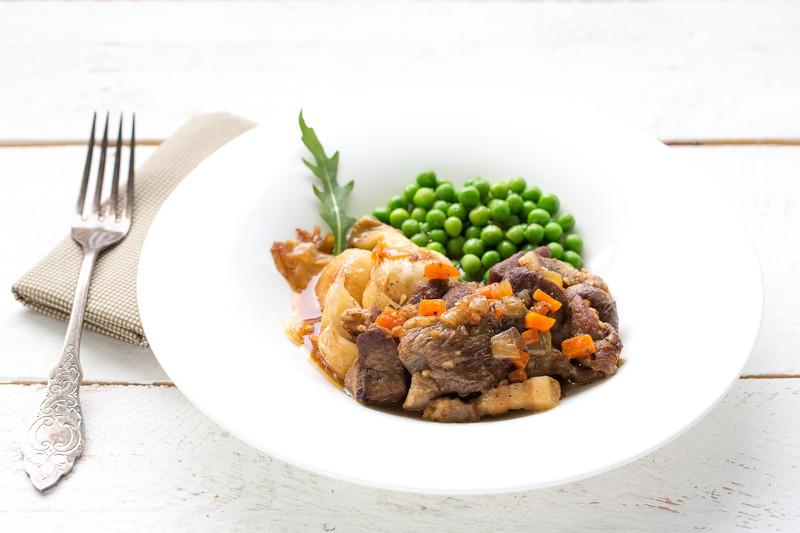 Épaule d'agneau braisée et ragoût de légumes