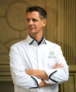 Le chef Ludovic Colpart milite pour une cuisine éthique dans son Auberge du Pont de Rethondes.